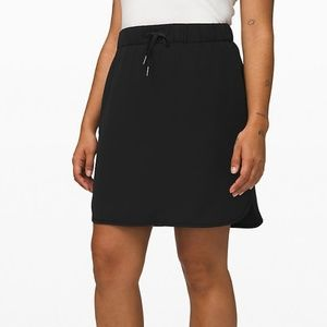 NWT Lululemon On The Fly Skirt Black Size 8